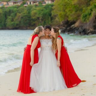 #phuketwedding #teambride #bridesquad #weddingphuket #heiratenamstrand #phuketweddingservice @germanweddingcelebrant #hochzeitimausland #destinationweddingthailand #yesido #jaichwill
